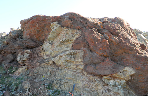 Photo 2012-165 : Karstic features below the Proterozoic Cambrian unconformity. B. Sharp, irregular paleocavern base and wall